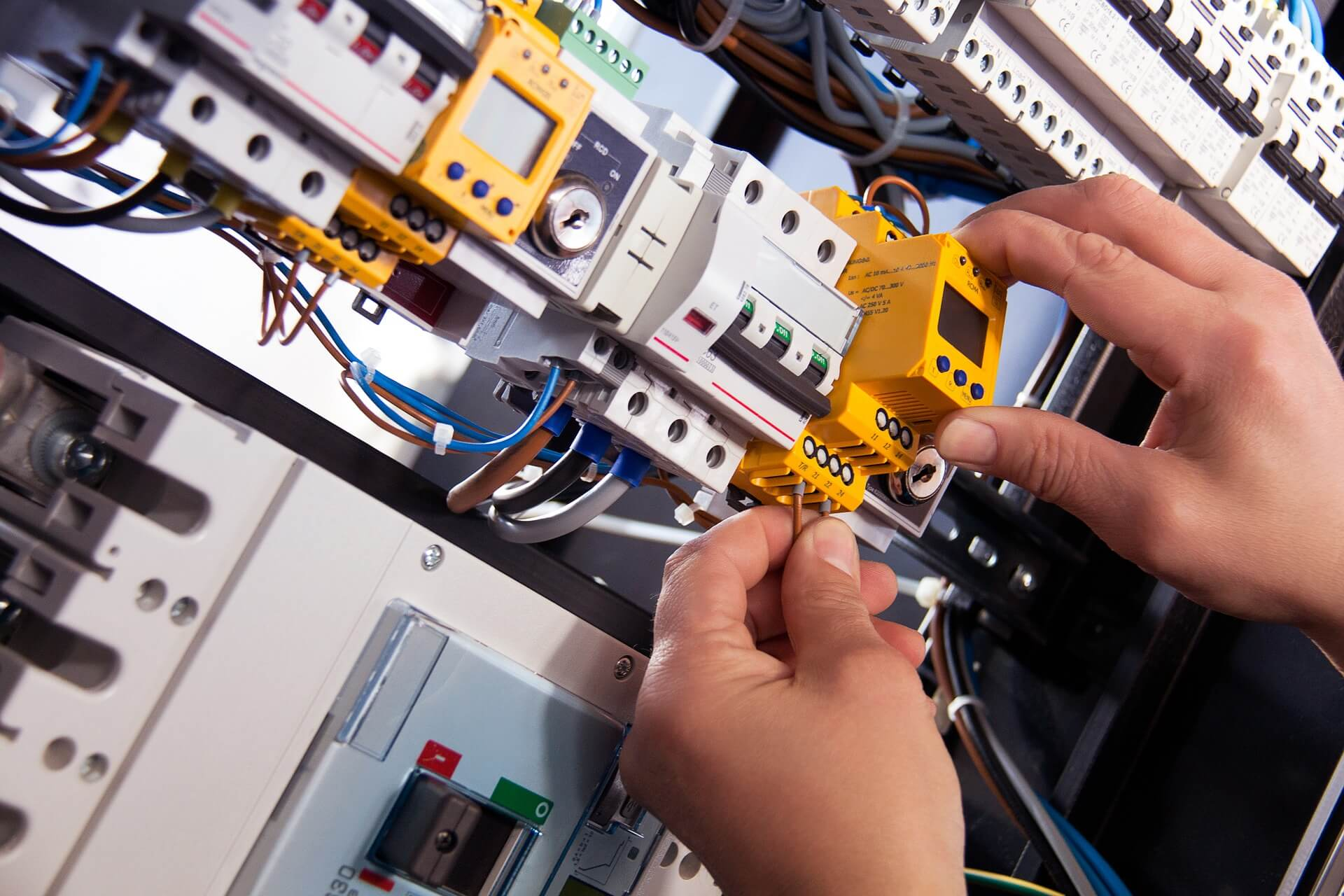 1 What is MCB | All you need to know about Miniature Circuit Breaker